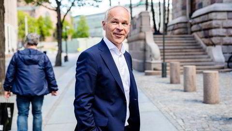 Finansminister Jan Tore Sanner (H) mottok mandag forslag til endringer i Oljefondets etiske retningslinjer for første gang på 16 år.