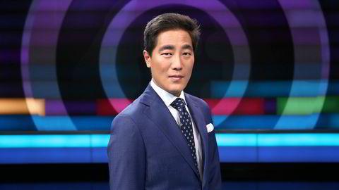 Programleder for Debatten i NRK, mener Nikolay Ramms parodi på en japansk talkshowvert var morsom.