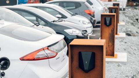 Bilprodusentene får ti prosent toll på elbiler med norskproduserte batterier ved eksport mellom EU og Storbritannia.