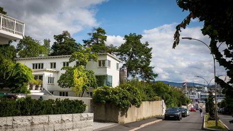 Elisabeth Røkke har kjøpt dette huset i Huk aveny på Bygdøy, ikke langt fra Kongelig Norsk Seilforenings marina ved Dronningen.