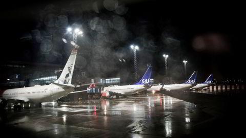 SAS har aldri flydd med så mange ledige seter om bord som i vinter. Det er ventet at situasjonen normaliseres frem mot sommeren. Her fra Bergen lufthavn.