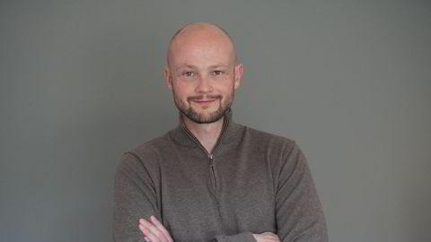 – Jeg legger opp til minst mulig tilfeldigheter og lavest mulig kostnad, sier Even Tvedt (40) om hvordan han investerer i det virkelige aksjemarkedet.