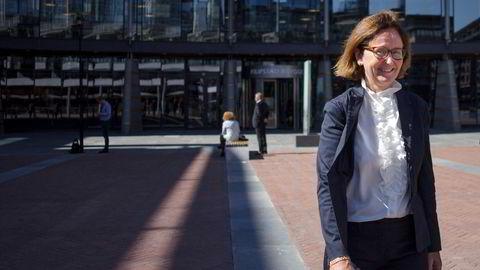 Administrerende partner Mona Søyland i Simonsen Vogt Wiig vil betale tilbake det staten måtte ut med til firmaets permitterte ansatte i fjor.
