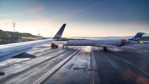 SAS går en krevende høst og vinter i møte uten å vite når de forretnigsreisende vender tilbake i stort omfang. Det kan bidra til et snarlig behov for mer penger. Her fra Trondheim lufthavn Værnes.