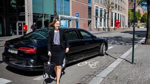 Tidligere var det kun rådgivende avstemming om lederlønn på generalforsamlingen. Nå skal styrets retningslinjer for lederlønninger underlegges en bindende avstemming, skriver Iselin Nybø.