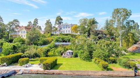 – Her får kjøper litt feriebolig i hverdagen og som bonus er eiendommen stor nok til at den potensielt kan utvikles med ytterligere en bolig, sier eiendomsmegler Kairon Wongraven om Kjetil Bøhns siste kjøp.