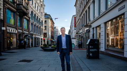 Administrerende Bjørn Næss Oslo Handelsstands Forening frykter stagnasjon i handelen etter ytterligere smitteverntiltak.