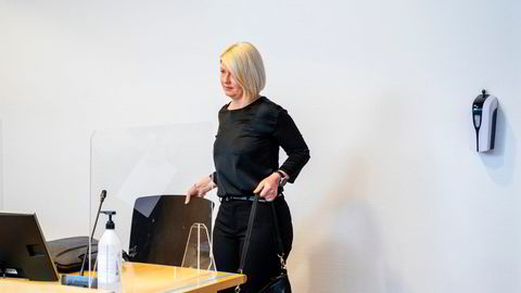 Caroline Borgersen (44) eier alle aksjene i familieselskapene Brokelbank, Bronco og Santo. Hun er saksøkt av faren, Pål Borgersen (77), som vil ha kontrollen tilbake.