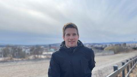 Andreas Bakkehaug (27) jobber til daglig i Nordsjøen og oppnådde best avkastning forrige uke mye grunnet oljeserviceselskapet Archer.