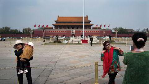 Vi som jobber med å informere om Kinas mange brudd på menneskerettigheter kan bare drømme om å få visum til landet, skriver artikkelforfatterne.