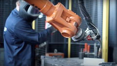 Sveisepistoler bygger raskt, og kan lage store gjenstander – langt større enn pulverbaserte 3D-printere kan per i dag.