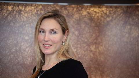 Sjefstrateg Erica Blomgren i meglerhuset SEB forklarer at dollaren svekkes på bakgrunn av senatsvalget i USA.