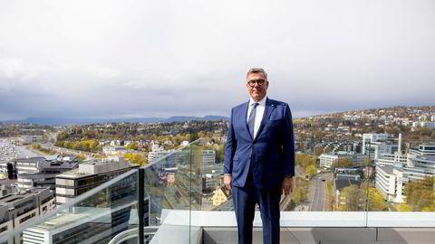 – Jeg er særlig opptatt av å få Venstre og KrF over sperregrensen, sier Stein Erik Hagen om noe av bakgrunnen for at Venstre og KrF får en million kroner hver i valgkampstøtte.