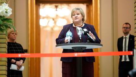 Statsminister Erna Solberg presenterte budsjettavtalen sammen med Siv Jensen (FrP), Kjell Ingolf Ropstad (KrF) og Guri Melby (V) tirsdag kveld.