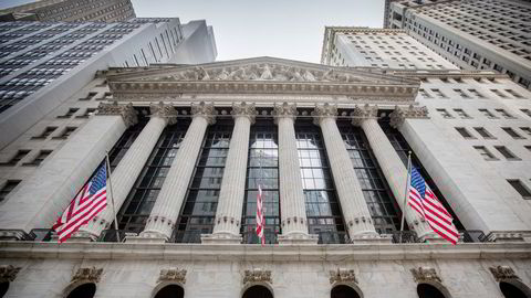 Den forventede «belønningen» til aksjeinvestorene, risikopremien, justert for inflasjon, har i USA vært negativ bare tre ganger før, skriver Pål Ringholm. Her fra børsen på Wall Street i New York City.