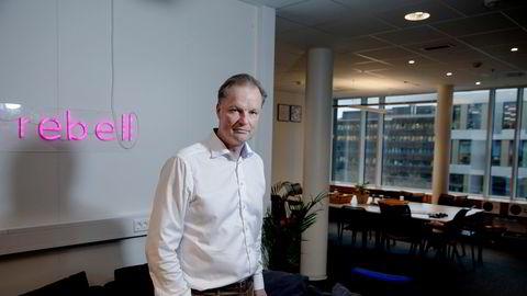 Administrerende direktør Øyvind Thomassen og Sbanken, banken alle elsker, er ikke mer konkurransedyktig enn banken alle hater. Sbankens utlånsvekst har falt til DNBs nivå de siste to årene, skriver Sigmund Håland.