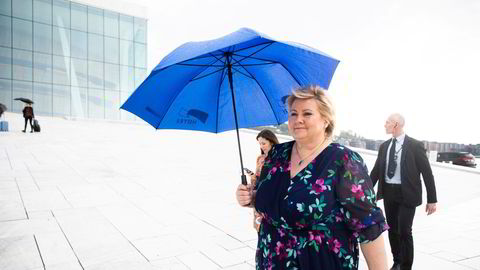 Statsminister Erna Solberg møtte fredag pressen på Operataket under Høyres digitale landsmøte, som i år er lagt til Thon Hotel Opera.