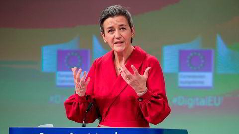 EUs konkurranse- og digitalkommissær Margrethe Vestager presenterte tirsdag lovforslag som angriper techselskapene på to flanker: både innhold og konkurranse. (Photo by )