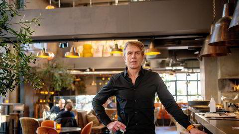 – Her jobber for det meste kun ledelsen i restauranten, sier administrerende direktør Hans Petter Hauge i Olivia restaurantene her ved Olivia på Aker Brygge i Oslo.