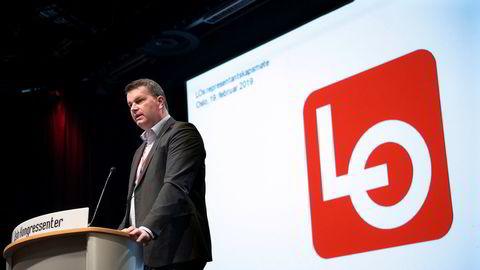 LO-leder Hans-Christian Gabrielsen holder åpningstalen på LOs representantskap.
