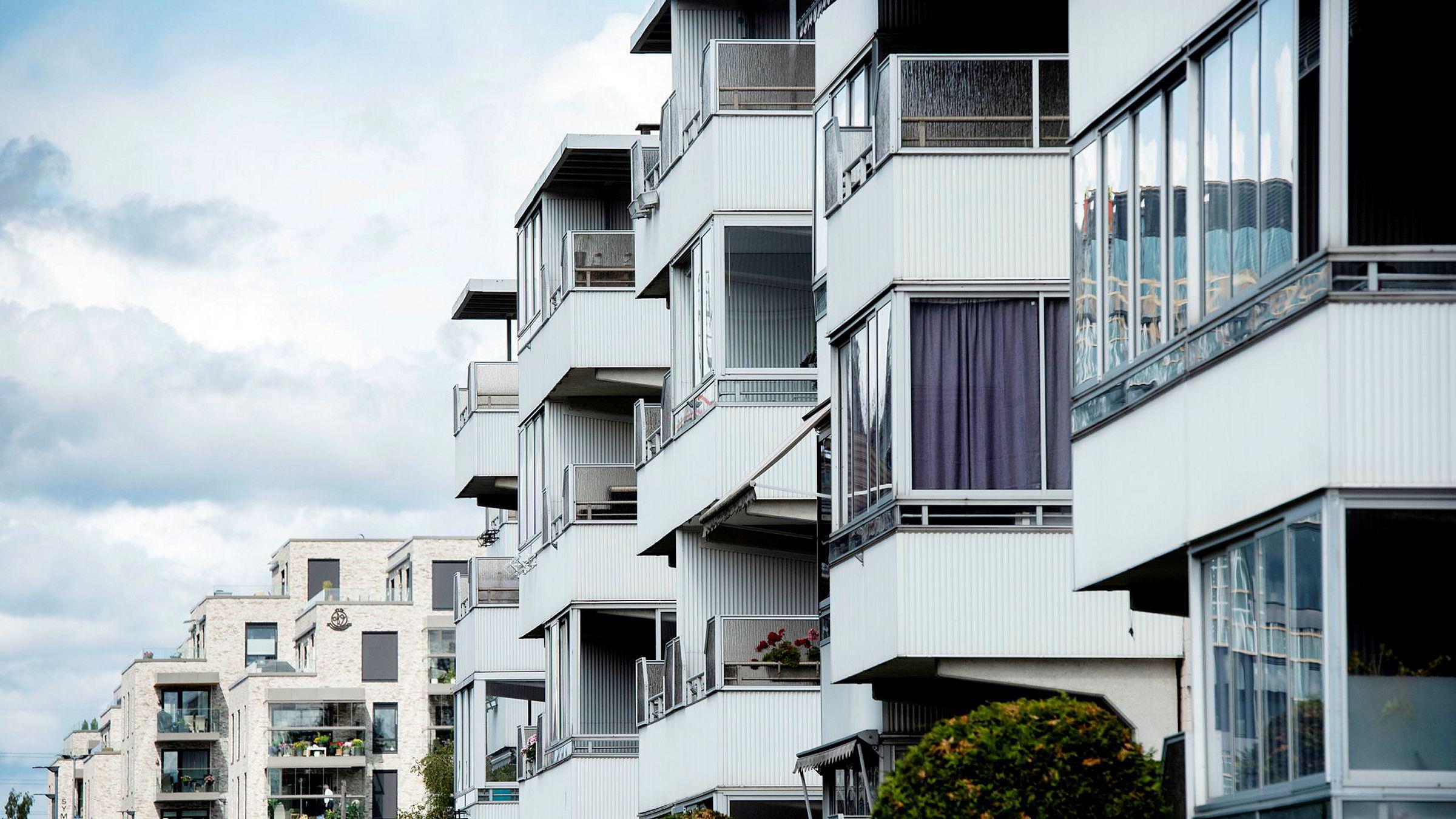 Det har blitt solgt færre nye boliger på Østlandet denne høsten sammenlignet med høsten i fjor. (Illustrasjonsfoto av leiligheter på Lambertseter i Oslo.)