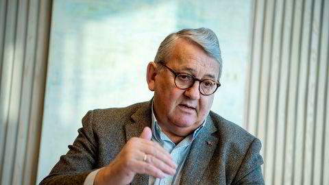 Riksrevisor Per-Kristian Foss sier Norge må belage seg på flere dataangrep