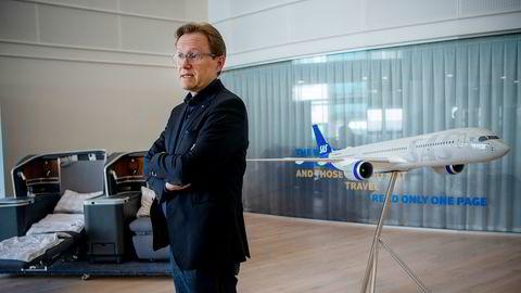 SAS' norske finansdirektør Torbjørn Wist gir opp pendlertilværelsen, og prosessen startet før koronakrisen traff. Fra kontoret på Lysaker i Bærum styrer han pengebeholdningen i selskapet – og sier det kan bli behov for mer krisehjelp.