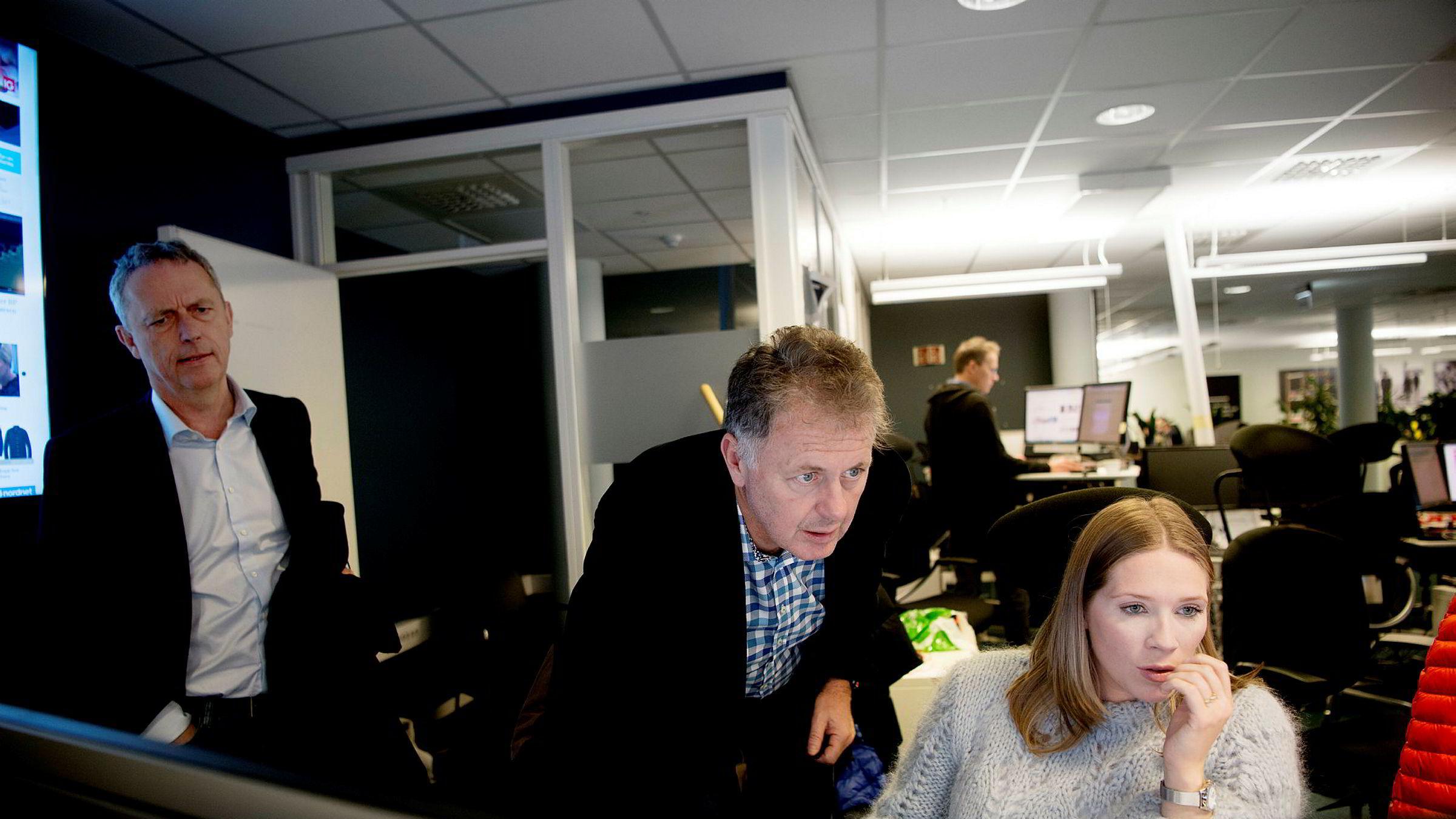 Konserndirektør Are Stokstad i Amedia, ansvarlig redaktør Gunnar Stavrum i Mediehuset Nettavisen og utgavesjef Maria Schiller Tønnessen lanserer nå en ny heldigital abonnementsavis, NA+.