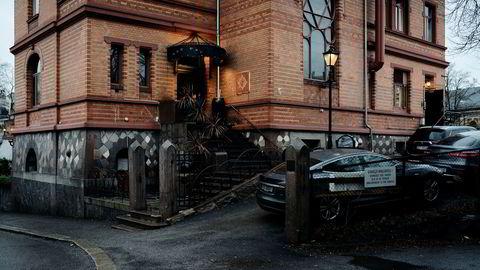 Nettverket Leith Society har kontorer i Harbitz gate på Frogner i Oslo. En rettsbegjæring om konkurs ble avverget i siste liten.