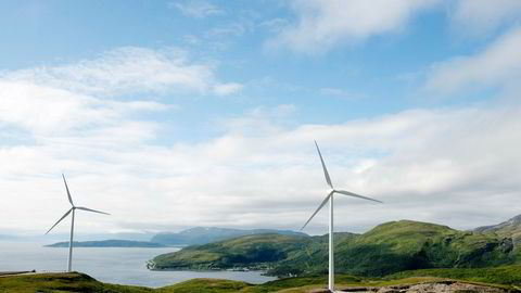 Satsingen på vindkraft har sitt utspring i EU sin satsing på fornybar energi, og Norge bruker norske strømkunders nettleie som salderingspost i forhandlingene med EU, mener artikkelforfatteren.