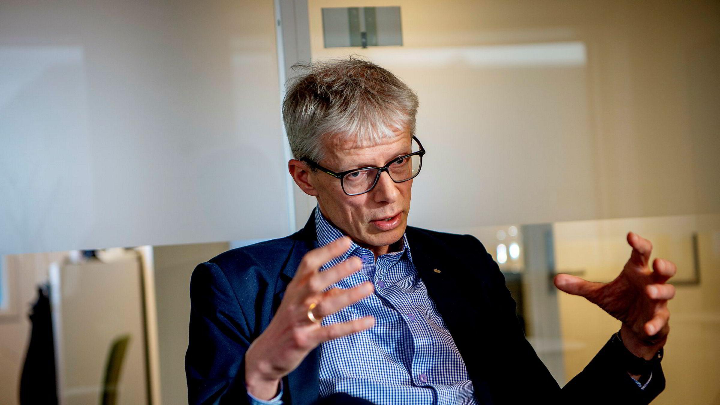 Skattedirektør Hans Christian Holte ønsker å ta over for Sigrun Vågeng som direktør Nav.