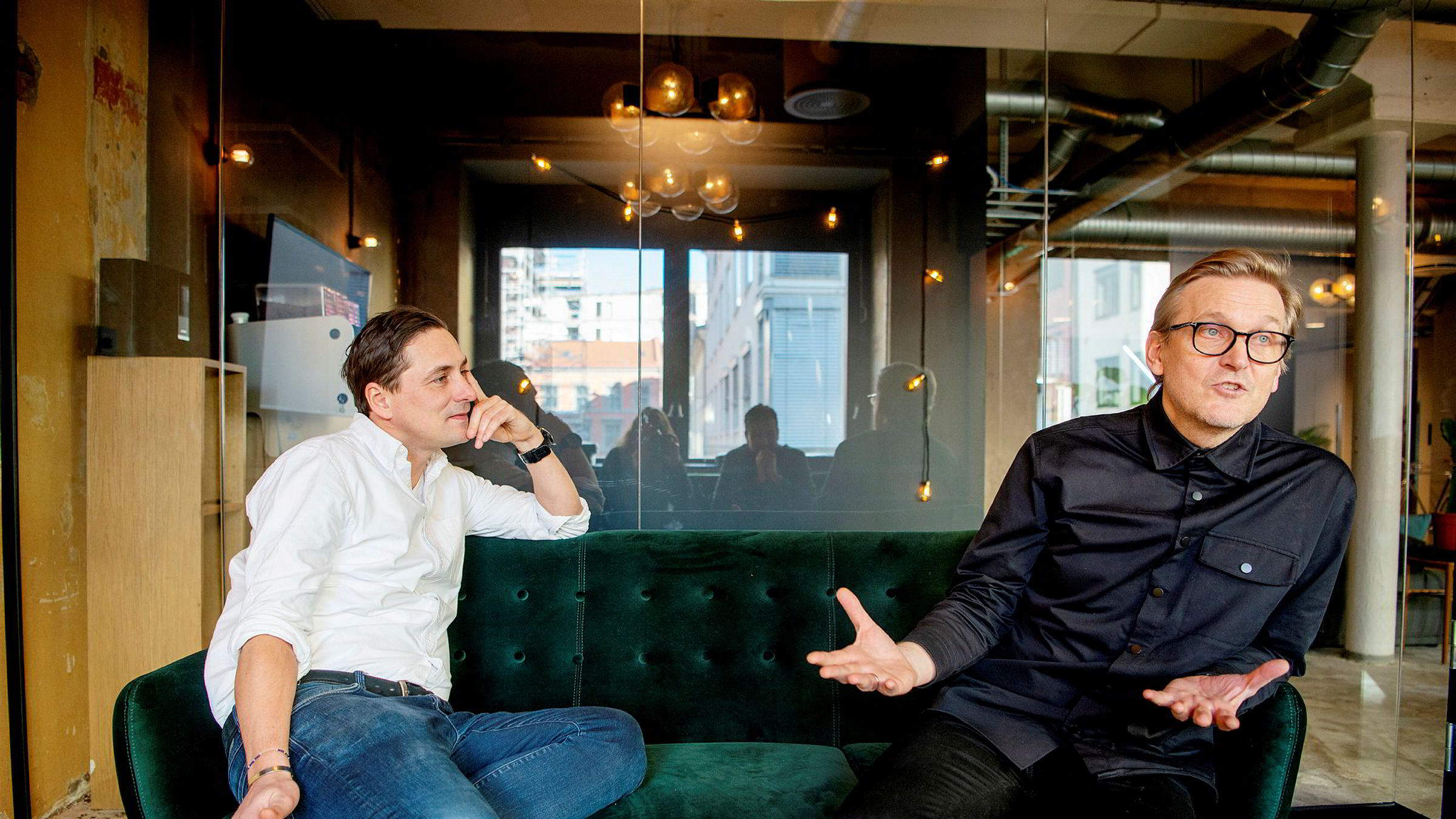 Administrerende direktør Christian Steen (til venstre) og kreativ direktør Trond Kvernstrøm opplever dobling i The Oslo Companys omsetning. Her i selskapets lokaler i Torggata i Oslo.