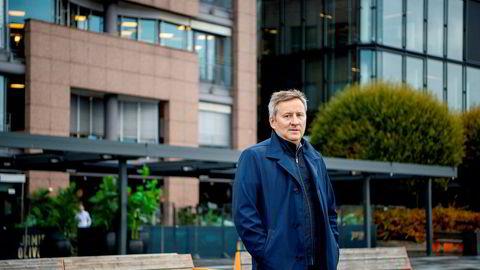 Frank Jullum, sjeføkonom i Danske Bank, tror ikke arbeidsledigheten vil falle til under fire prosent i løpet av denne høsten.