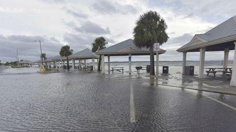 """Orkanen """"Sally"""" nærmer seg kysten av USA."""