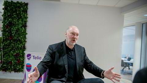 – Rett etter 12. mars så vi en dobling av samtaler og 22 prosent mer databruk enn normalt i mobilnettet, sier administrerende direktør Stein-Erik Vellan i Telia Norge.