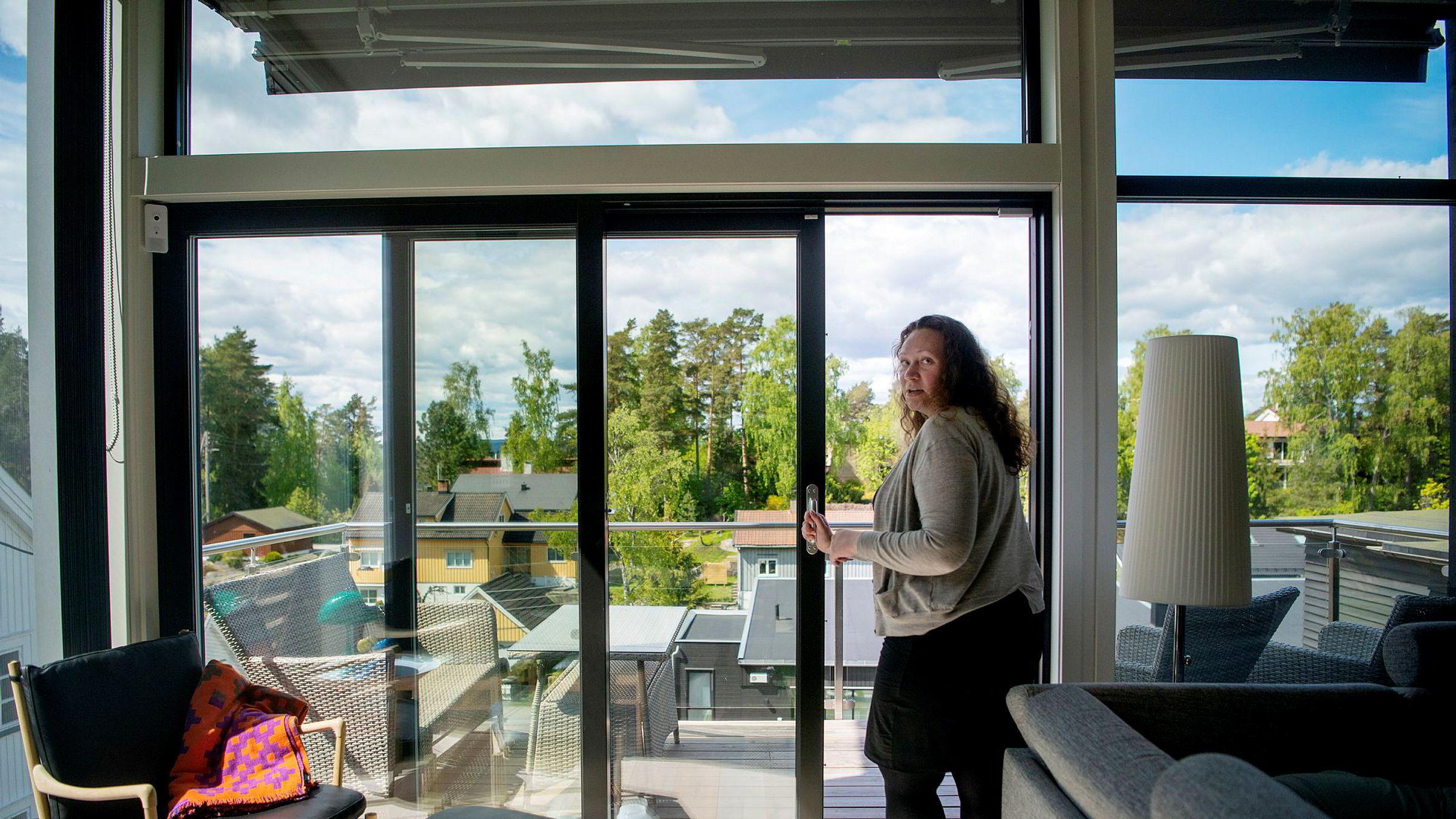 Ida Fuglevik Dahler (34) skal ha hjemmekontor frem til hun føder om noen måneder. Etter å ha forhandlet ned renten i to omganger, er hun fornøyd med å ha en av landets laveste boliglånsrenter.