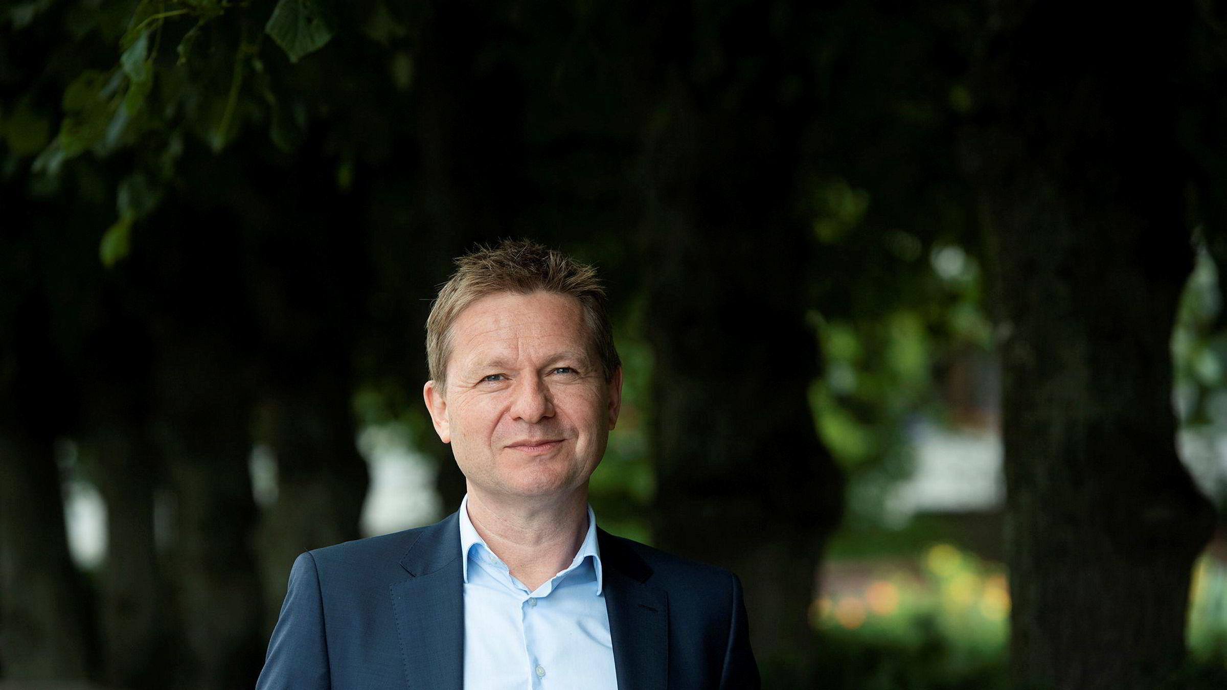 Kredittanalysesjef  Pål  Ringholm:  –  Jeg  tror  mest  på  at  det  kommer  en  kraftfull  nedgang  til