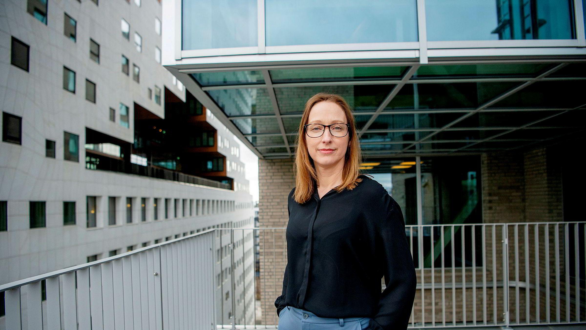 Sjeføkonom Kjersti Haugland i DNB Markets mener det er spesielt mange usikkerhetsmomenter i boligmarkedet fremover.