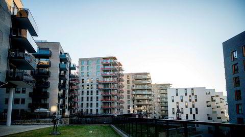 Nå ser senioranalytiker Carl Christian Mathisen i Prognosesenteret samme mønster i boligmarkedet som under oljekrisen. Arkivfoto fra Nydalen i Oslo.
