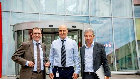 I Forskingsparken tirsdag fikk Aps miljøpolitiske talsperson Espen Barth Eide (til venstre) presentert planene for Waterise, av administerende direktør Davoud Tayebi og styreleder Niels Petter Wright.