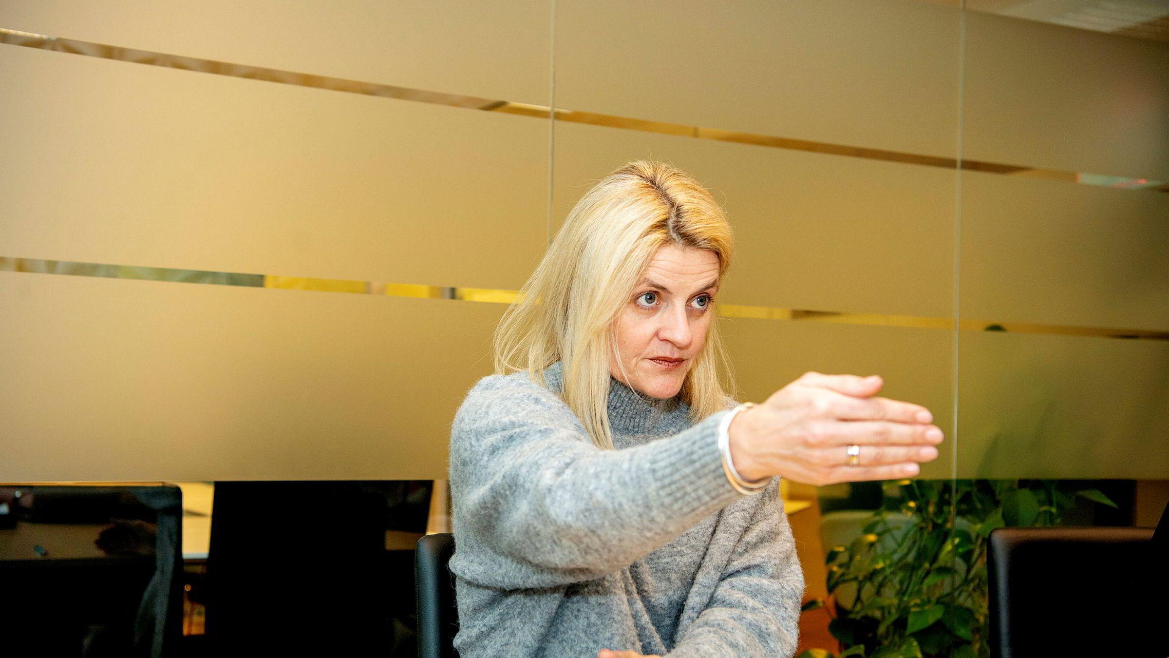 Direktør Inger Lise Blyverket i Forbrukerrådet mener regelverket gir for dårlig beskyttelse mot misbruk av BankID. Det har hun rett i.