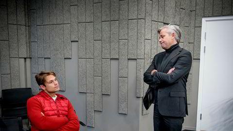 Rallysjåfør Andreas Mikkelsen (til venstre) og broren Nicolai Prydz mener Telenor rappet forretningsideen deres om tjenester basert på kjøredata fra oppkoblede biler. Fredag var Mikkelsen på plass i voldgiftsretten i Oslo.