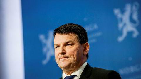Tor Mikkel Wara gikk av som justisminister etter at PST åpnet etterforskning mot samboeren Laila Anita Bertheussen.
