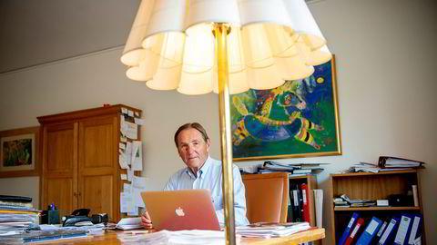 Investor Leif Håkon Strøm er 72 år, men jobber likevel hver dag fra kontoret på Vinderen. – Det vil si, nå i korona-tiden har jeg for det meste holdt meg hjemme, sier han.