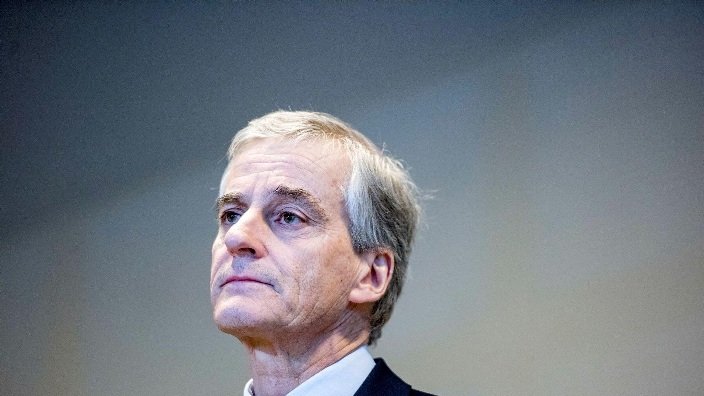 Ap-leder Jonas Gahr Støre ønsker debatten om oljeboring utenfor Lofoten velkommen i Arbeiderpartiet.