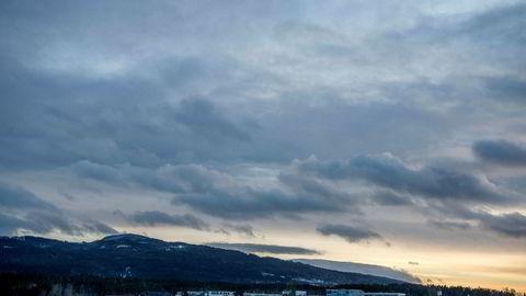 Jevnaker, med sine snart syv tusen innbyggere, ligger vakkert til rundt enden av Randsfjorden, med et fantastisk museum på det gamle sagbruk- og industriområdet, skriver Hallgjerd Osnes i innlegget.