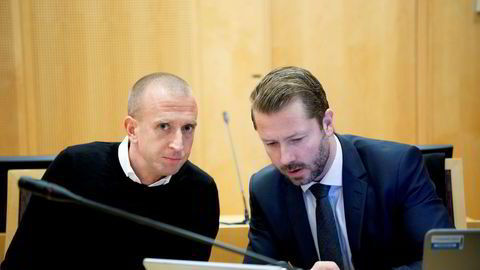 Gunnar Greve (t.v) i rettsaken tirsdag har  inngått et forlik med tidligere forretningspartner Gilbert Lunde etter én dag i retten.