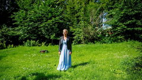 – Det er fortsatt mulig for Bærum kommune å si ja til Snøhettas fabelaktig klimavennlige prosjekt, sier Idun Winge, som har stevnet advokaten og utbyggerne som kjøpte eiendommen hennes uten å gjøre opp.