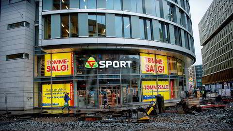 Denne Gresvig-butikken i Storgata i Oslo er blant de 1000 butikkene som er rammet av kjedekonkurser. Lokalet eies av Olav Thon-gruppen som er blitt skadelidende i konkursraset.