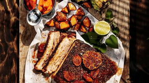 Sommerprosjekt. Spansk grillribbe og patatas bravas er en tretimers investering i en uforglemmelig smaksopplevelse.